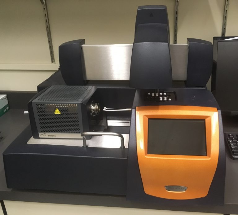 An image of our combined DSC/TGA instrument